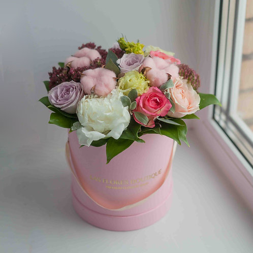 цветы в коробке ассорти