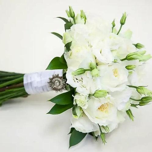 Букет невесты из пионовидных роз и эустомы