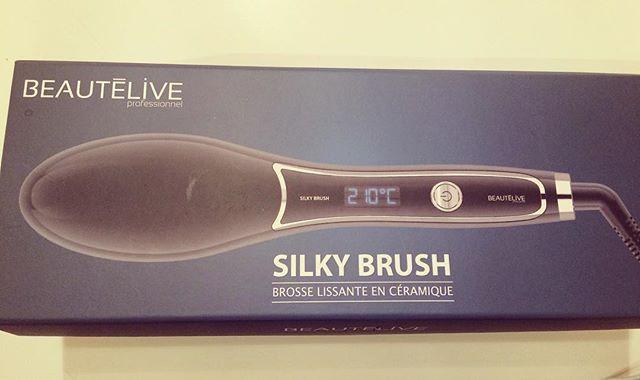 Brosse chauffante lissante silky brush gouiran beauté