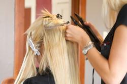 Pose d'extensions de cheveux