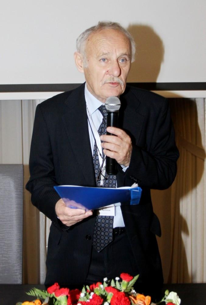 Kol. prof. dr hab. inż. Stanisław Rychlicki - prezes SITPNiG otwiera obrady XXXIX WZD SITPNiG (fot. S. Szafran)
