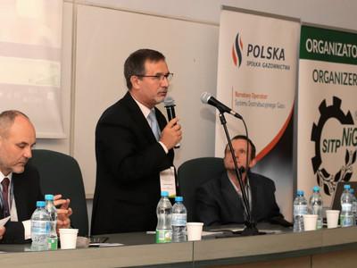 Współpraca polskiego przemysłu naftowego i gazowniczego ze środowiskiem historyków i archiwistów