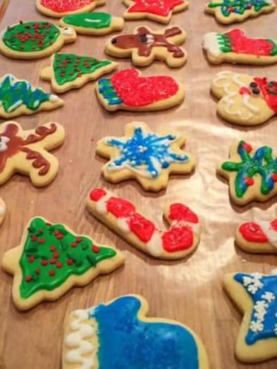 christmas cookies, sugar cookies, frosted cookies