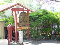 Lakeview Lodge sign