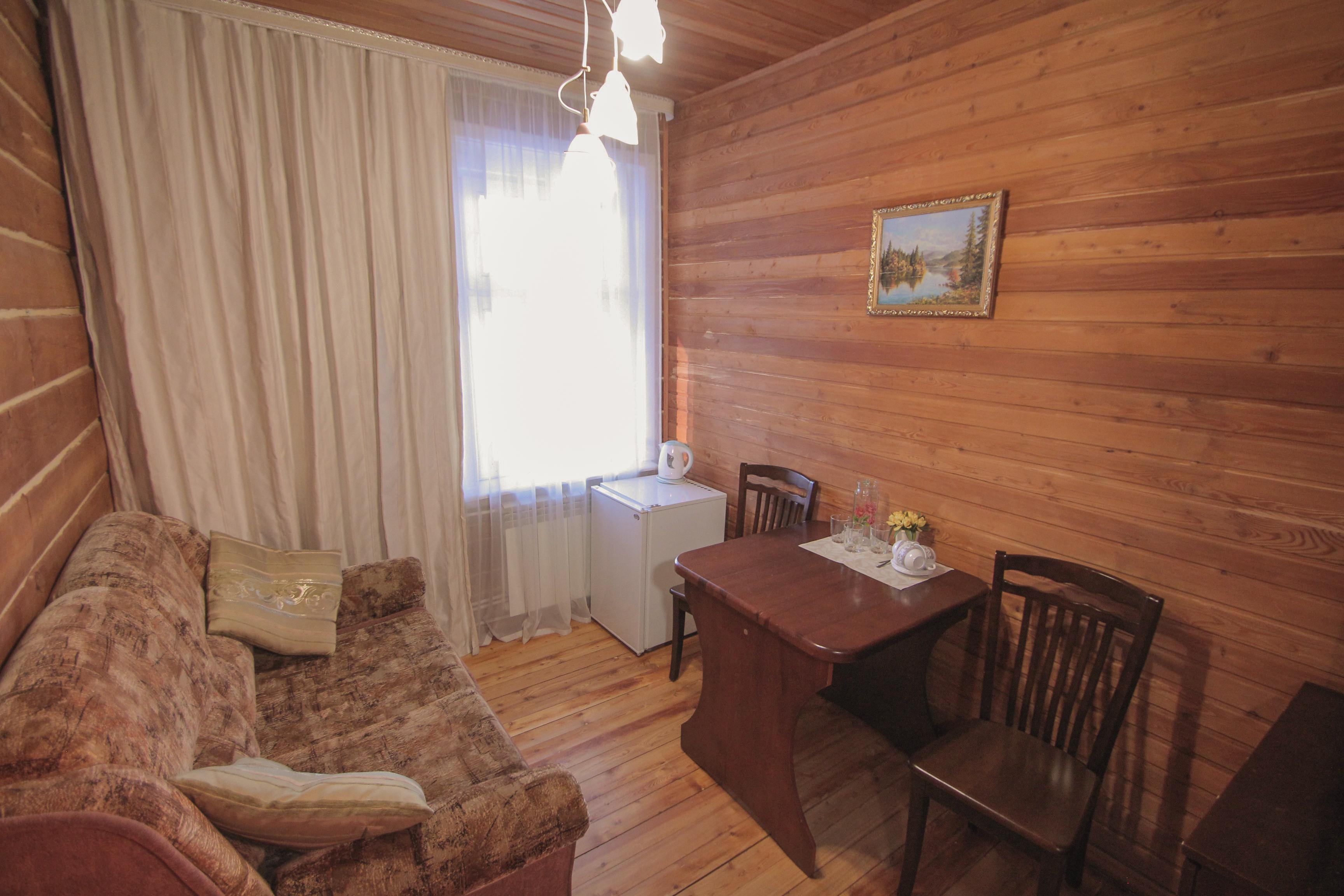 3х местный полулюкс комната отдыха