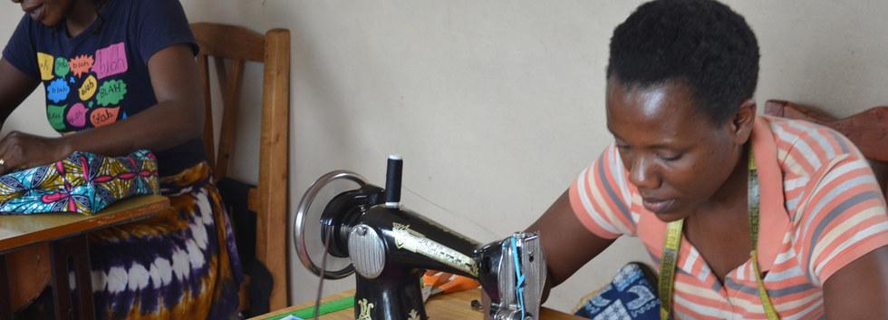 Amahoro artisan in Burundi