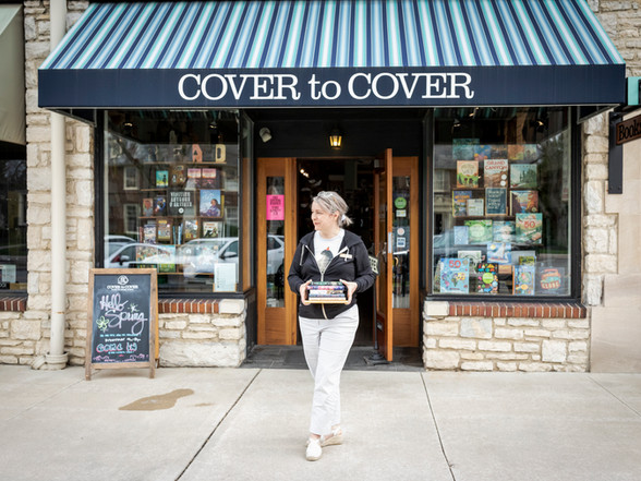 I-N-D-E-P-E-N-D-E-N-T Cover to Cover Bookstore with Melia Wolf