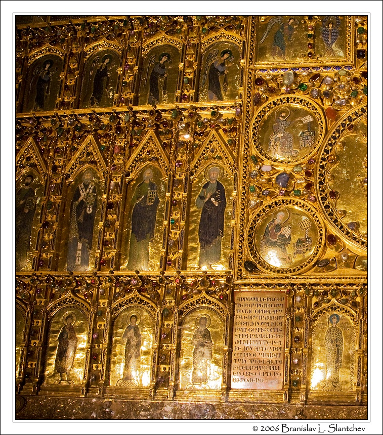 8_The Golden Altar Screen Detail