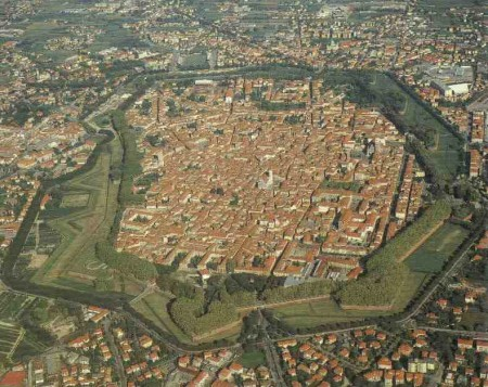 Lucca_aerea
