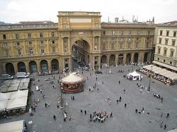 2.1273969890.view-of-piazza-della-repubblica