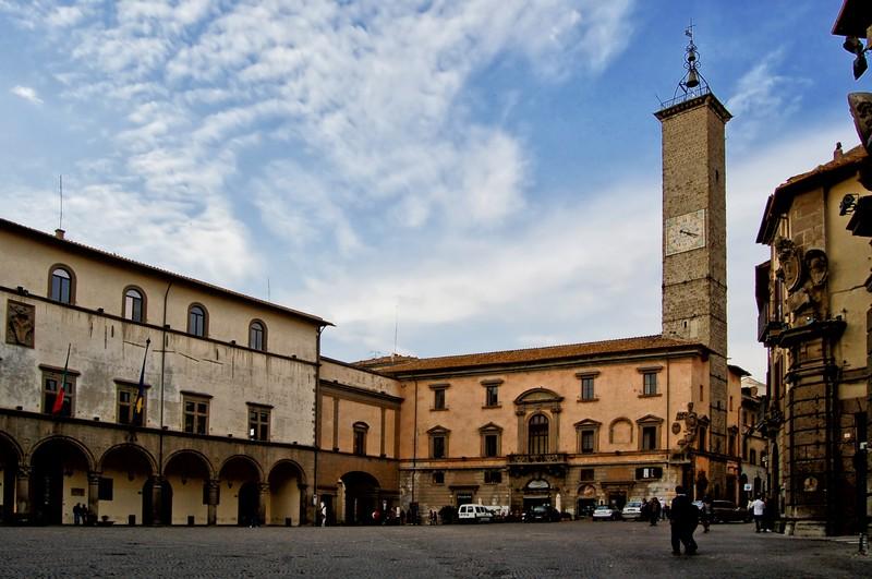 2 viterbo Piazza del Plebiscito