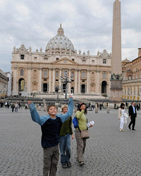 kids_in_st_peters_square