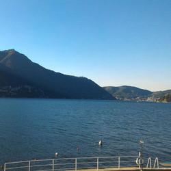 lago di como vista mattina