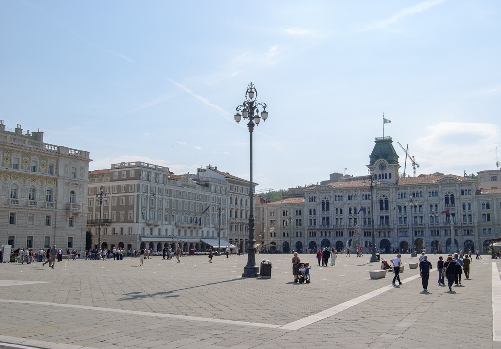piazza unita d italia