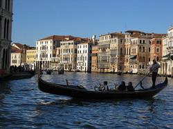 4_Venice_boat_gondola_Venice_Canal_Grande