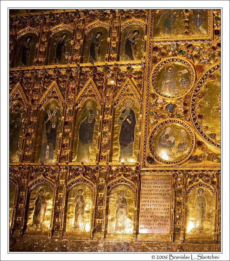 8_The Golden Altar Screen Detail