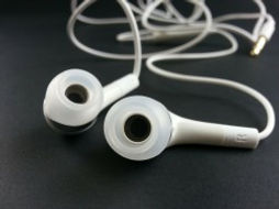 earphone-316753_1280_250x188.jpg