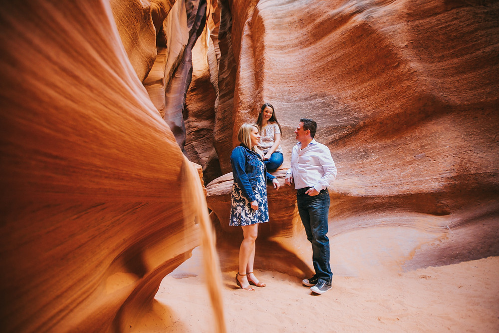 Antelope canyon family photography