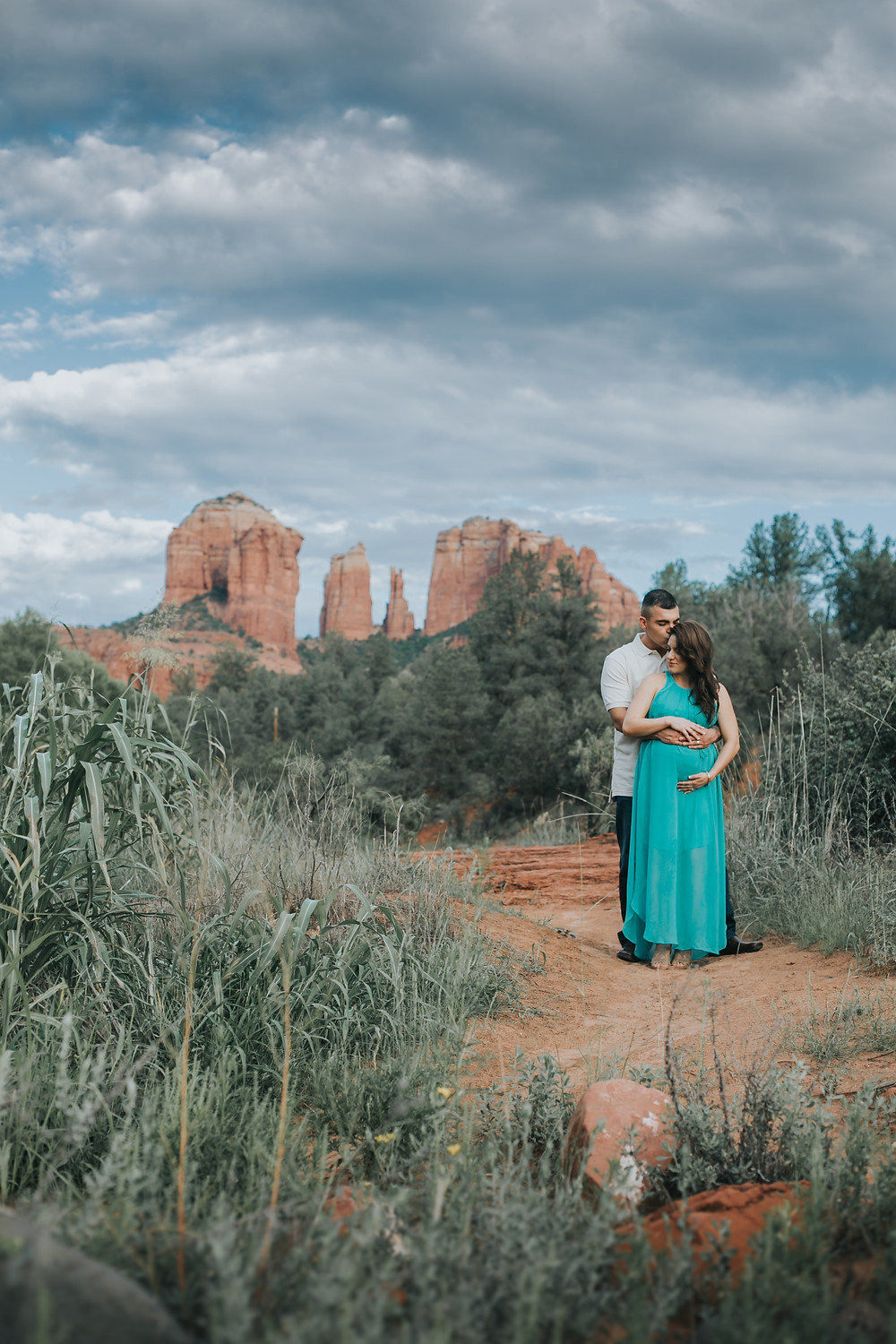 Cathedral rock maternity session