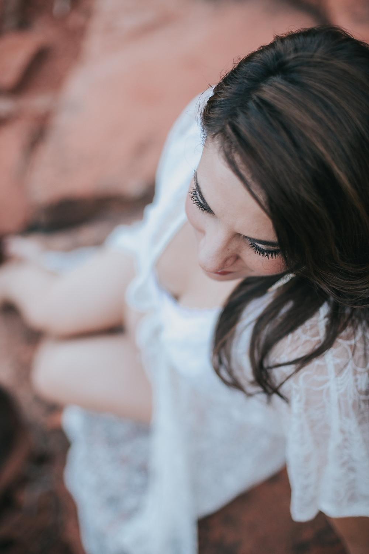 Red Rock Maternity white lace Sedona, AZ