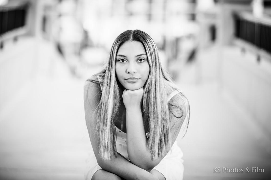 Senior portraits for girls