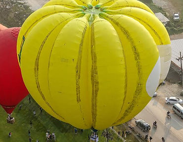 HappyFaceBalloonLaunch_1052.jpg
