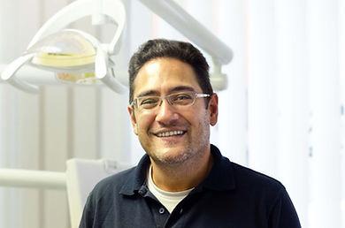 Zahnarzt Jan Dietz in Zahnarztpraxis Altstetten Zürich