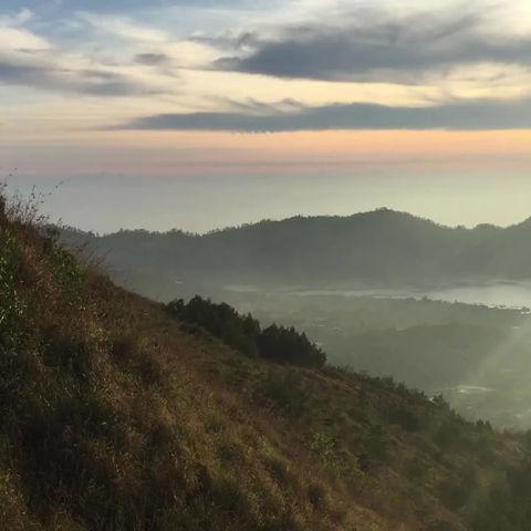 バリ島トレッキングバトゥール山