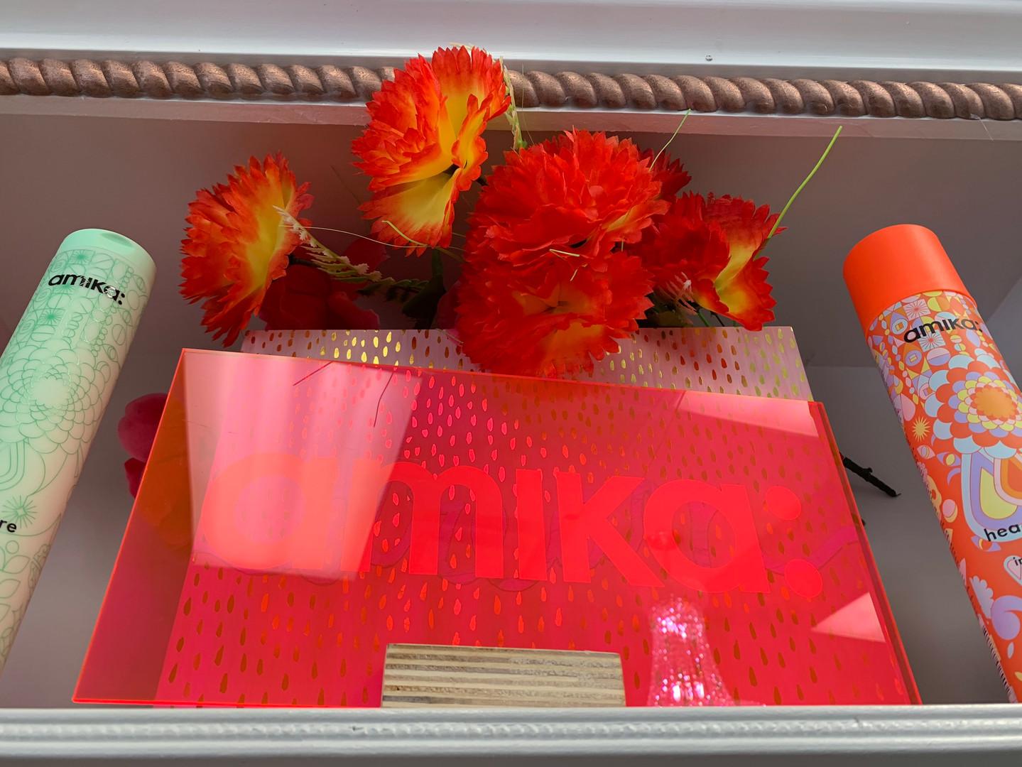 amika: flowers