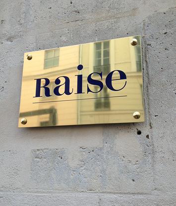 raise_plaque.png
