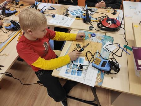 Tehniline reede Kõmsi koolis.