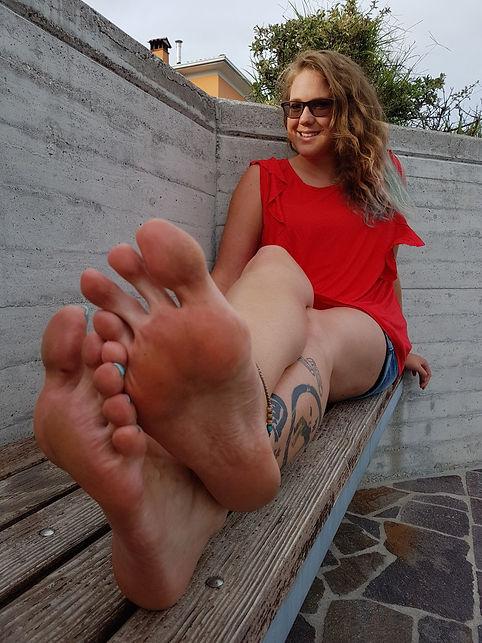 tall woman, big feet, female feet