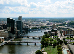 Downtown_Grand_Rapids_from_River_House