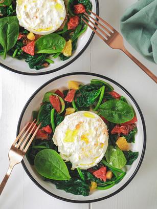 Salade de burrata et épinards aux agrumes