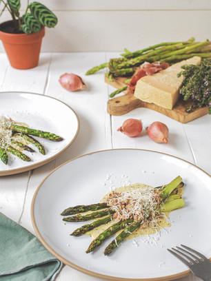 Asperges vertes sauce jambon et parmesan