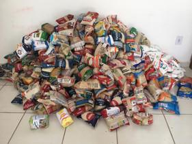 Evento arrecada quase 1 tonelada de alimentos para asilo de Florianópolis