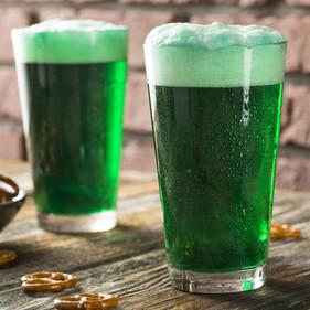 Cerveja verde, rock e muita diversão marcam o Saint Patrick's Day da cervejaria Beer and Pork