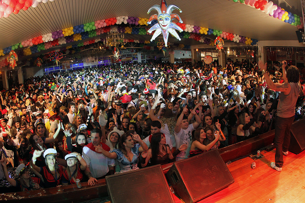 Carnaval de Inverno de Criciuma 2014.jpg