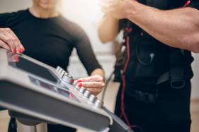 Você já ouviu falar em eletroestimulação? Conheça os benefícios e vantagens do treino