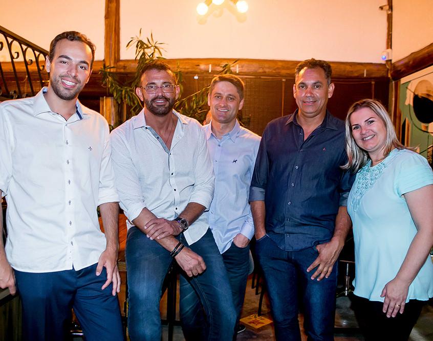 Equipe da SOS Casa Reformas Inteligentes