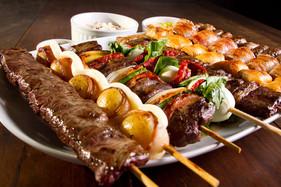 Espetinhos de carne: uma boa pedida para o verão