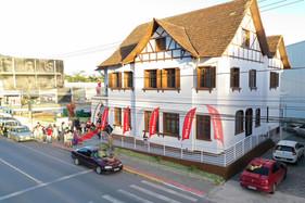 Casa do Papai Noel é opção de diversão para a família até o dia 24, em Jaraguá do Sul