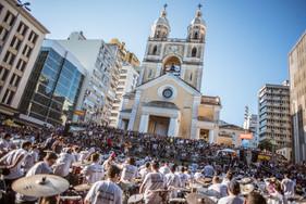 Orquestra de Baterias de Florianópolis terá edição especial na Ponte Hercílio Luz