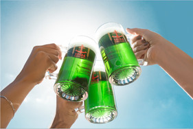 Torneio de bebedores de cerveja, humor e chopes cortesia animam eventos especiais noA Fábrica