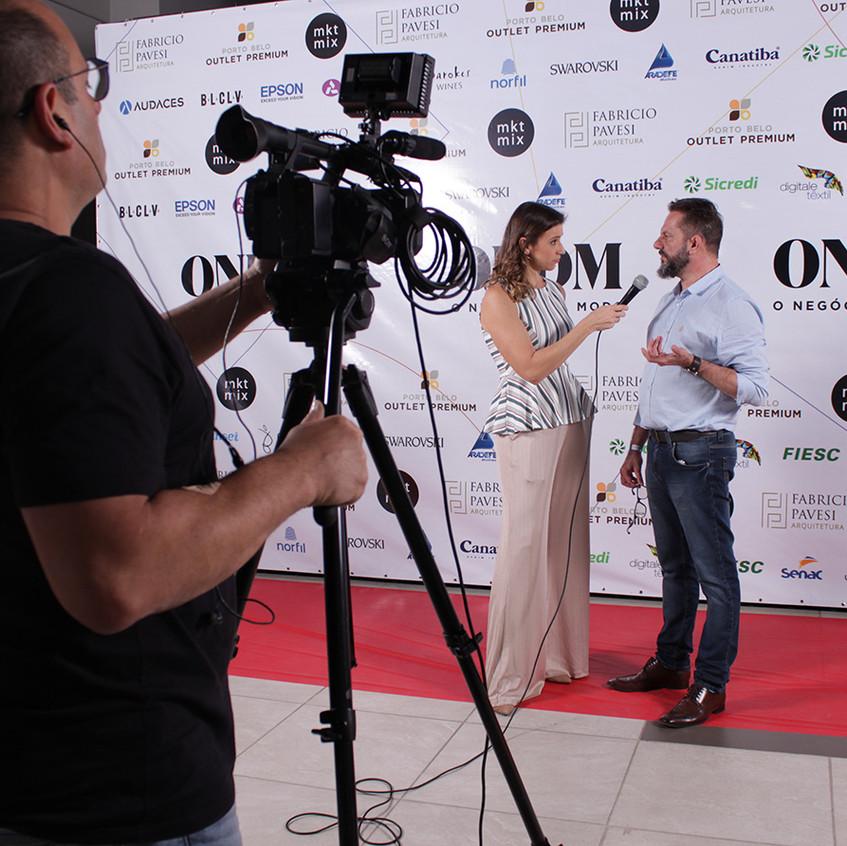 Ivan Jasper em entrevista para Camille R