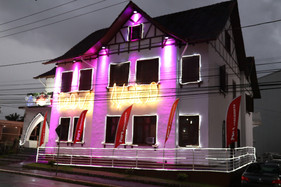 Coral natalino faz apresentações na Casa do Papai Noel, em Jaraguá do Sul