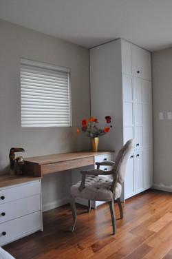 Bedroom-suite-with-vanity-desk.jpg