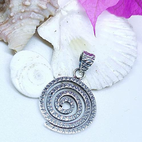 Patterned spiral pendant
