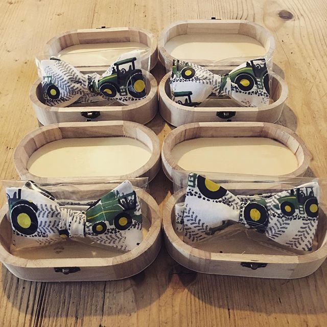 4 chaps are going to look pretty darn stylish in their matching John Deere bow ties at the Young Far