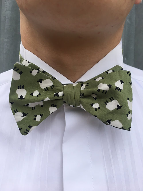 Green Sheep Bow Tie